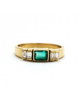 18K GOLD RING WITH DIAMONDS...
