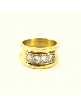 18K GOLD RING WITH 4 DIAMONDS