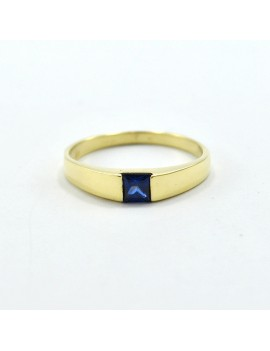 18K GOLD RING WITH SAPPHIRE
