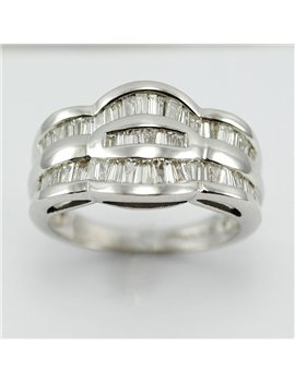 18K WHITE GOLD AND MODERN CUT DIAMONDS RING
