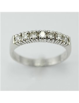 18KTS WHITE GOLD RING AND MODER-CUT DIAMONDS