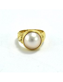 18K GOLD RING AND MOTHER PEARL