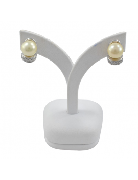 PEARL EARRINGS IN WHITE...