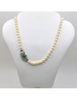PEARL NECKLACE OF 6 AND 7 MM