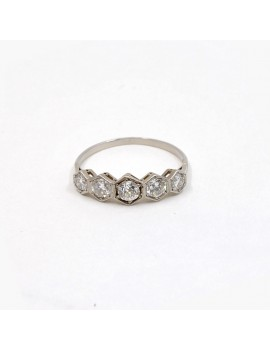 PLATINUM AND DIAMONDS RING,...