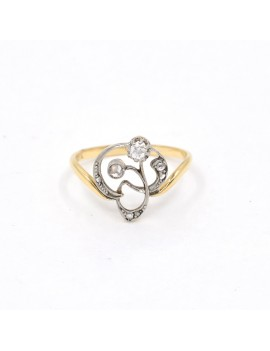 18K GOLD RING AND DIAMONDS