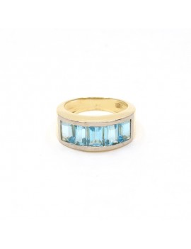 18K GOLD RING:  WITH 5...