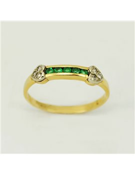 18k gold ring with emralds and modern cut-diamonds