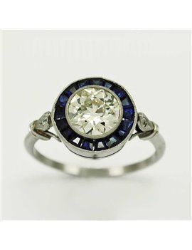 PLATINUM RING WITH OLD-CUT DIAMONDS AND SAPPHIREE