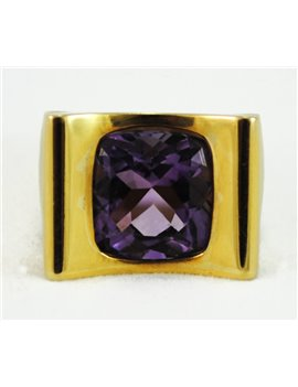 18K GOLD RING WITH AMETHYST