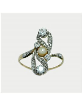 18K GOLD RING WITH DIAMMONDS