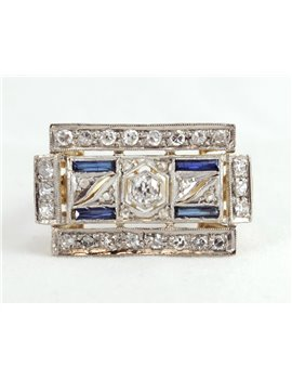 18K GOLD WITH SAPPHIRE AND DIAMONDS RING