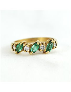 18K GOLD WITH EMERALD AND DIAMONDS RING