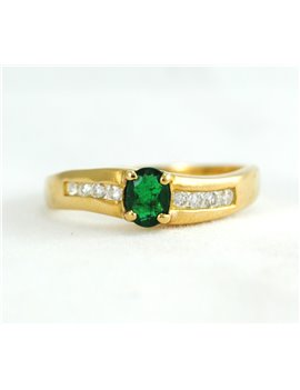 18K GOLD WITH EMERALD AND DIAMONDS