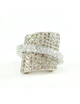 18K GOLD AND DIAMONDS RING