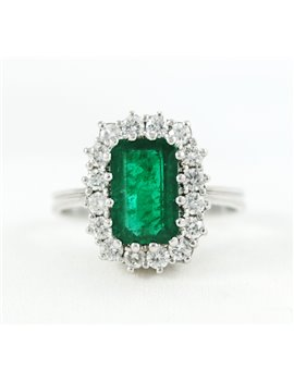 18K WHITE GOLD WITH EMERALD AND DIAMONDS RING