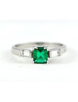 18K WHITE GOLD WITH DIAMONDS AND EMERALD