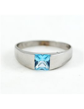 18K WHITE GOLD AND TOPAZ RING