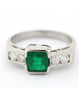 PLATINUM WITH DIAMONDS AND EMERALD RING