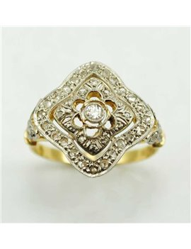 18K GOLD RING WITH OLD-CUT DIAMOND AND DIAMONDS