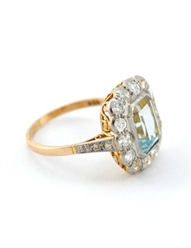 OLD GOLD RING WITH AQUAMARINE AND DIAMONDS 18K