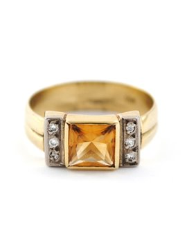 18K GOLD RING WITH DIAMONDS AND TOPAZ