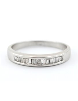 18K WHITE GOLD WITH DIAMONDS RING