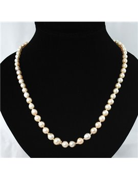 PEARLS NECKLACE HIGH TO LOW, CLAPS 18K GOL WITH DIAMONDS AND PEARL