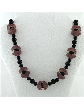 NECKLACE WITH ONIX, QUARTZ PINK AND CLOSURE SILVER 900