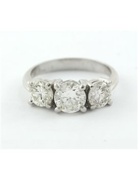 ANILLO ORO BLANCO 18K CON TRES BRILLANTES, CENTRAL 1.08 CT, BRILLANTES DE LOS COSTADOS DE 0.65 CT Y 0.63