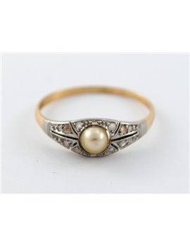 18K GOLD ANTIQUE RING WITH CULTURED PEARL AND DIAMONDS