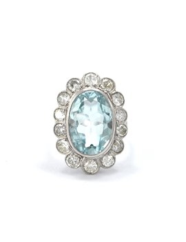 Platinum ring with central aquamarine