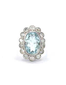Platinum ring with central aquamarine
