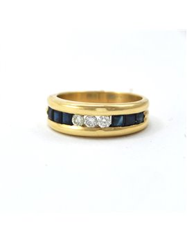 18k gold ring and sapphires