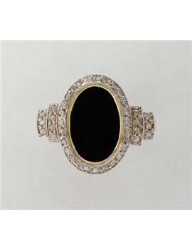18K GOLD RING WITH ONYX AND DIAMONDS